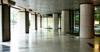 ビルやマンションのエントランス清掃サービス