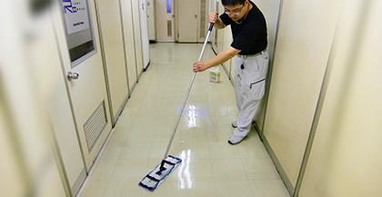 日常定期清掃での床面清掃