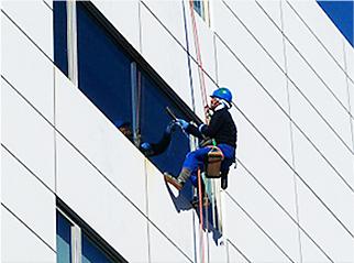 定期清掃はビルや商業施設の本格的なメンテナンス清掃です
